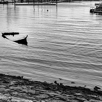 Sunken sampan at low-tide | LEICA 50MM F1.4 SUMMILUX 2ND VERSION