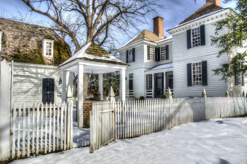 Colonial Williamsburg In Winter | ZEISS ZA VARIO-SONNAR  DT 16-80MM F3.5-F4.5 <br> Click image for more details, Click <b>X</b> on top right of image to close