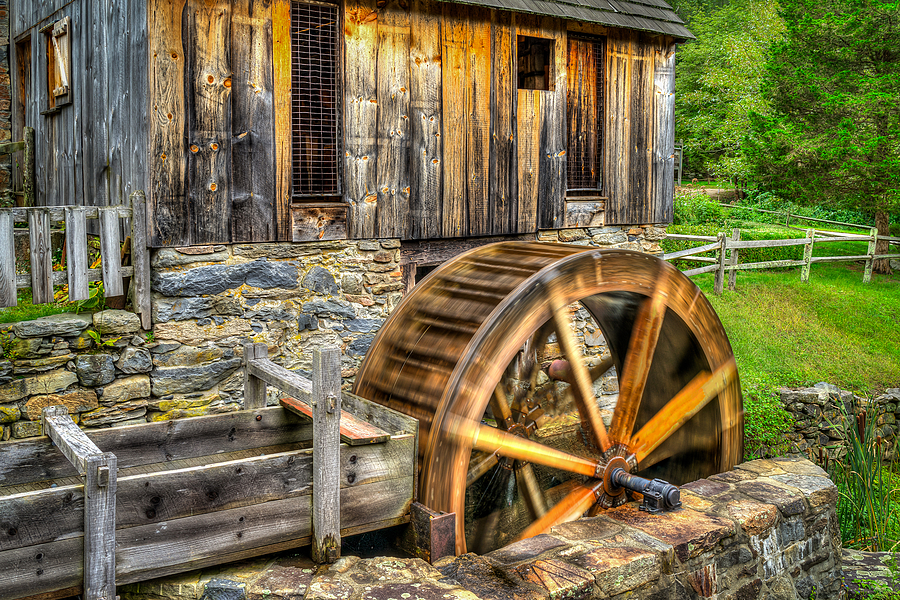 Spinning Wheel | ZEISS DISTAGON 35MM F/1.4 FE ZA <br> Click image for more details, Click <b>X</b> on top right of image to close