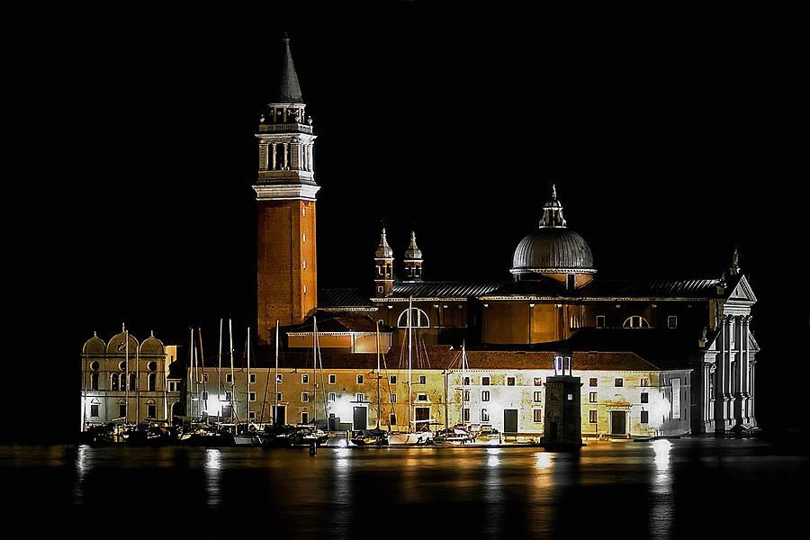 Basilica di San Giorgio | ZEISS ZA VARIO-SONNAR 24-70MM F2.8  <br> Click image for more details, Click <b>X</b> on top right of image to close