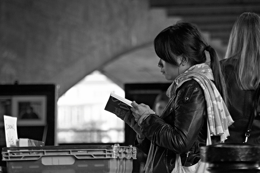 The Reader | SONY DT 18-200MM F/3.5-6.3 <br> Click image for more details, Click <b>X</b> on top right of image to close