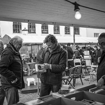 Outdoor book market | LEICA SUMMILUX 35MM F1.4 ASPH <br> Click image for more details, Click <b>X</b> on top right of image to close