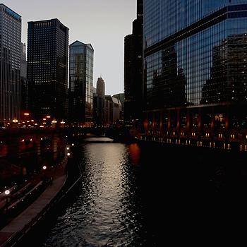 Chicago River at Dusk | ZEISS C/Y DISTAGON 21MM F2.8