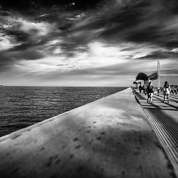 Pier | ZEISS VARIO-TESSAR  16-70MM F4 ZOOM